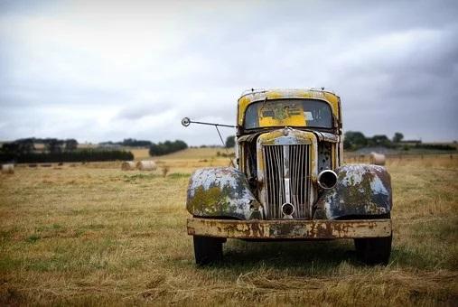 田舎は車なしでは大変!【田舎暮らしで失敗しない車選びのコツ】