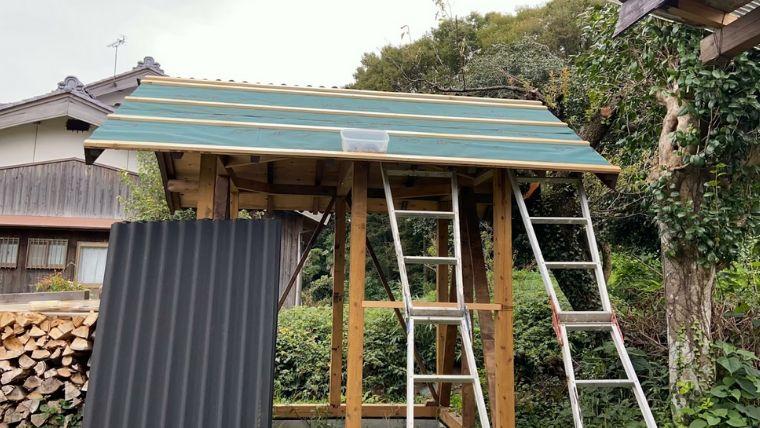 DIYで建てる!鶏小屋の作り方【オンデュリン屋根編】